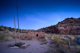 Photographing ruins in the blue hour
